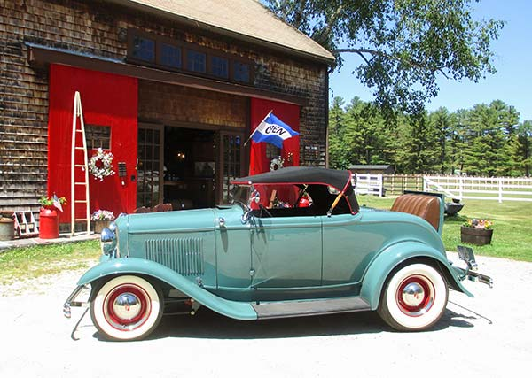 Restored 1932 Ford visits Barn on 26 Antiques